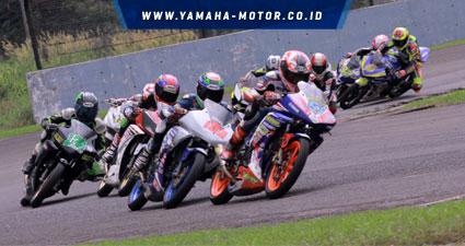 KEJURNAS-150-CC.-Klasemen-teratas-sampai-dengan-3-besar-dipegang-rider-rider-tim-Yamaha