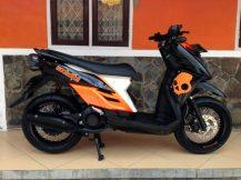 modif-yamaha-x-ride-hitam-velg-lebar-768x576