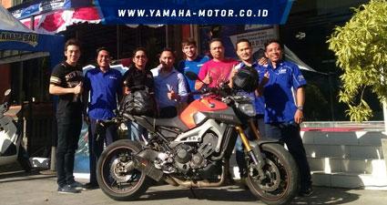 RTEmagicC_Dave-Mckenna-bersama-komunitas-Yamaha-CBU-Bali