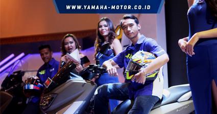 imanuel-pratna-menunggangi-nmax-diindonesia-motor-show-imos-2016